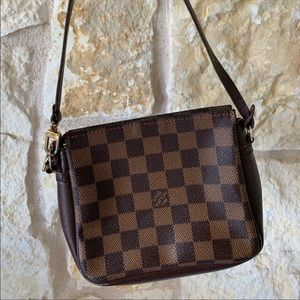 Louis Vuitton crossbody/cosmetic pouch